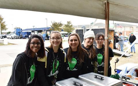 MTSE students helping with Homecoming